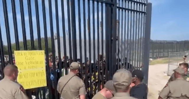 State Troopers Hold Back Migrant Border Rush in Texas